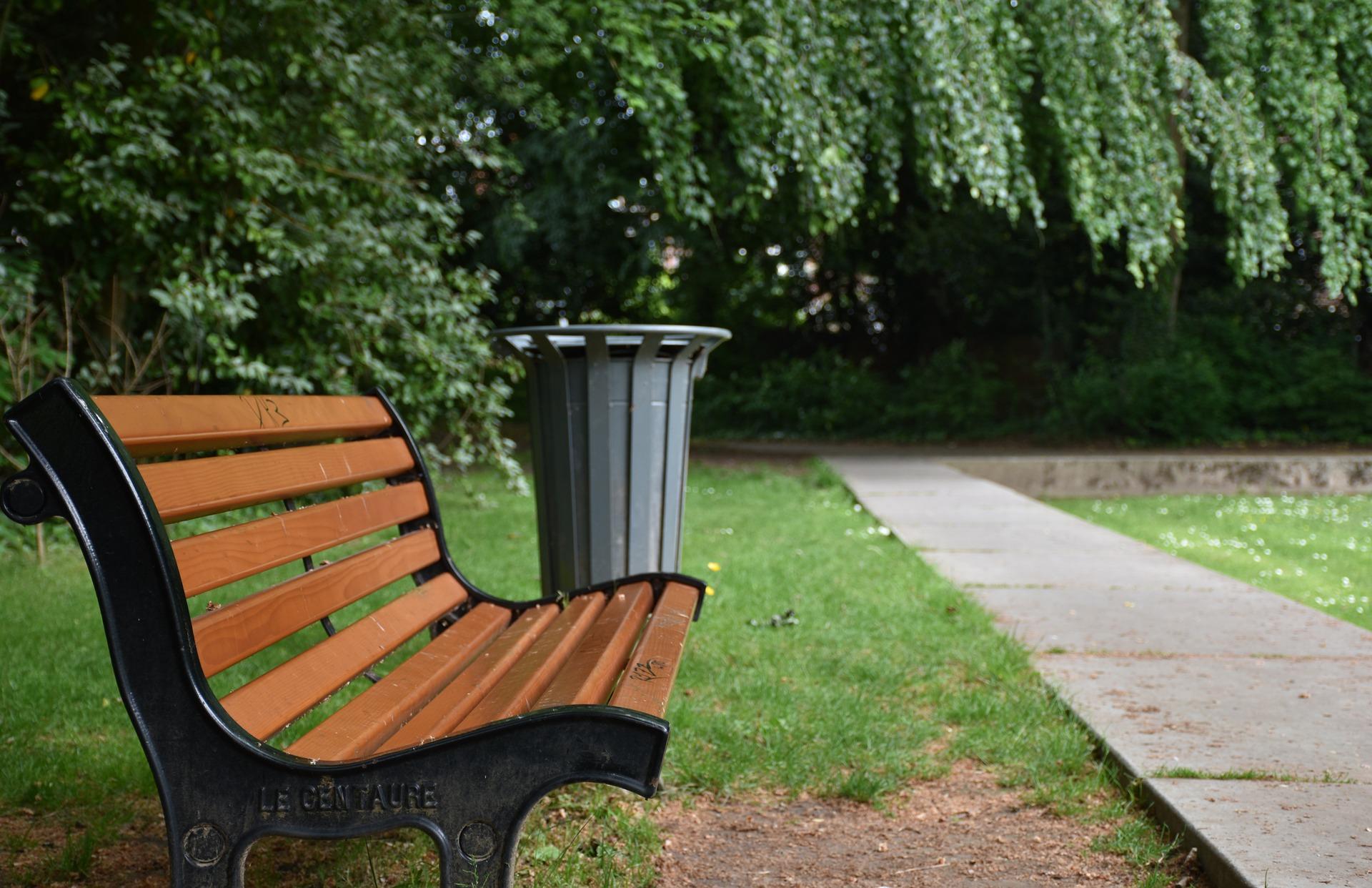 bench-1421858_1920